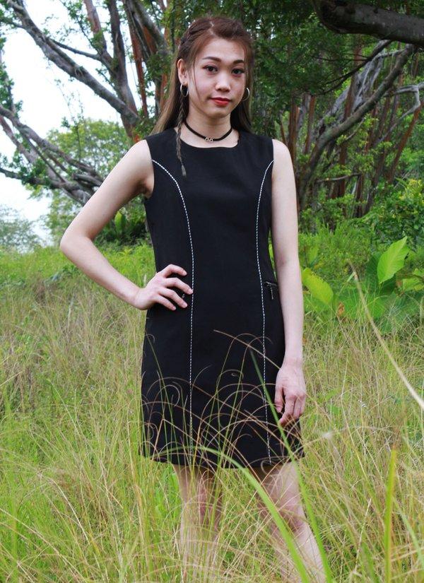 LINNY SLEEVELESS DRESS  (BLACK)