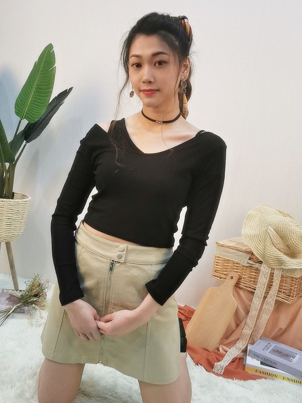 TWO PIECES LONG SLEEVE CROP TOP (BLACK)