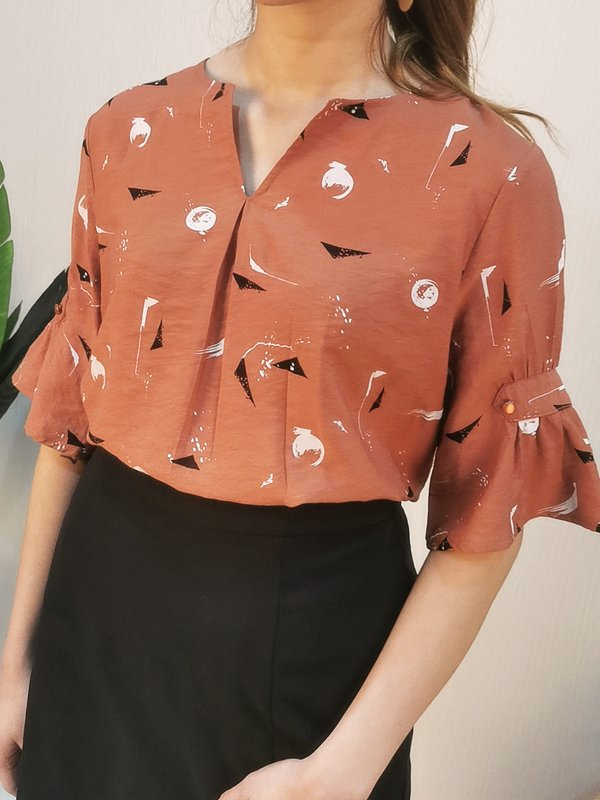 CONNA ABSTRACT BLOUSE (RUSTIC BROWN)